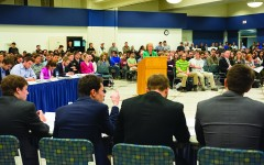 Senate meeting draws crowd of 600