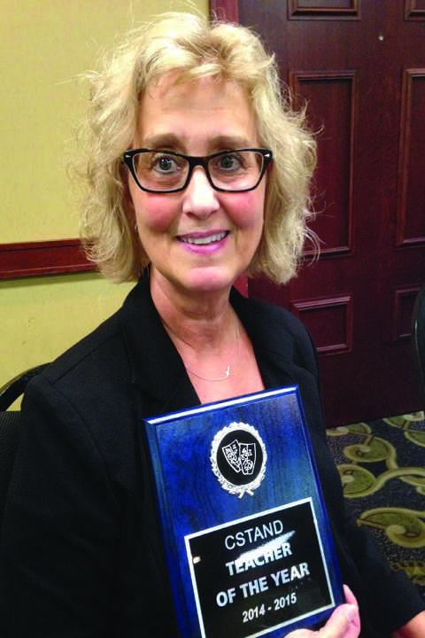 UND+communication+professor+receives+teaching+award