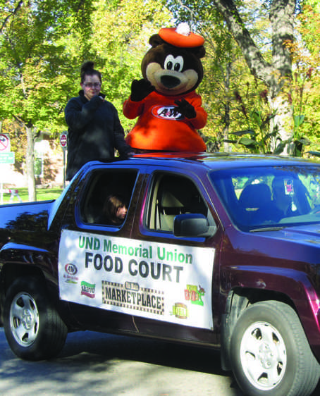 Annual Homecoming parade draws crowd