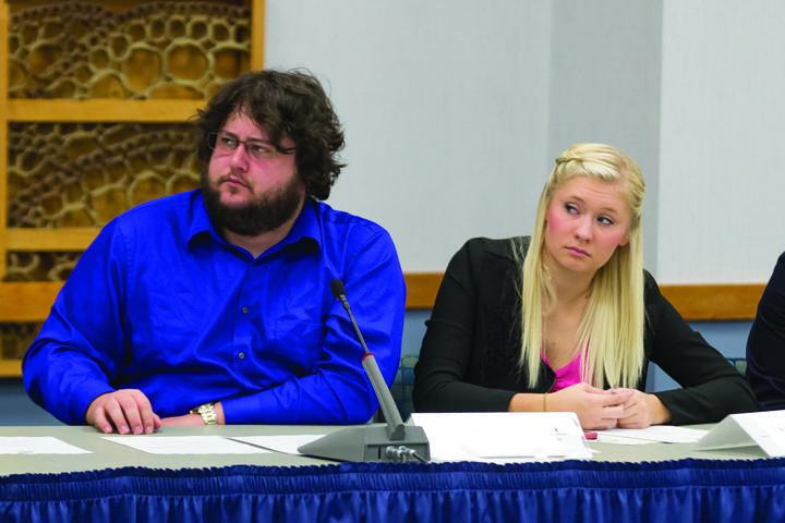 Senate funds Study-a-Thon, tables Big Event