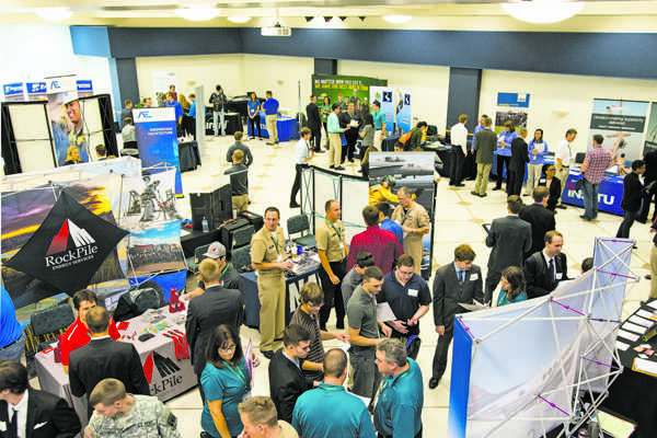 UND career fair jumpstarts student networking