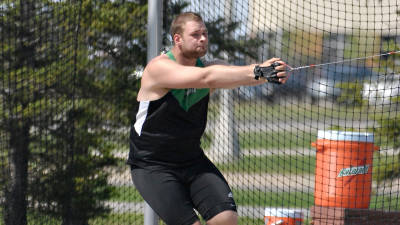 Men and women's track give strong showing