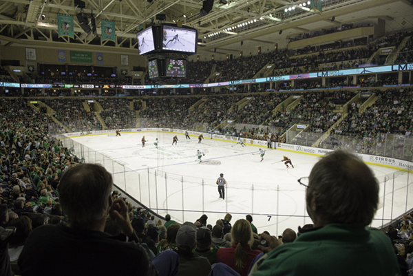 Fans+watch+the+Fighting+Hawks+take+on+the+Golden+Gophers+Friday+night+at+the+Ralph+Engelstad+Arena.