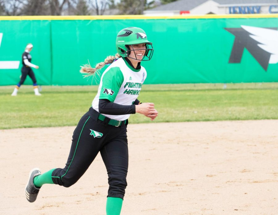 Softball takes down Jackrabbits
