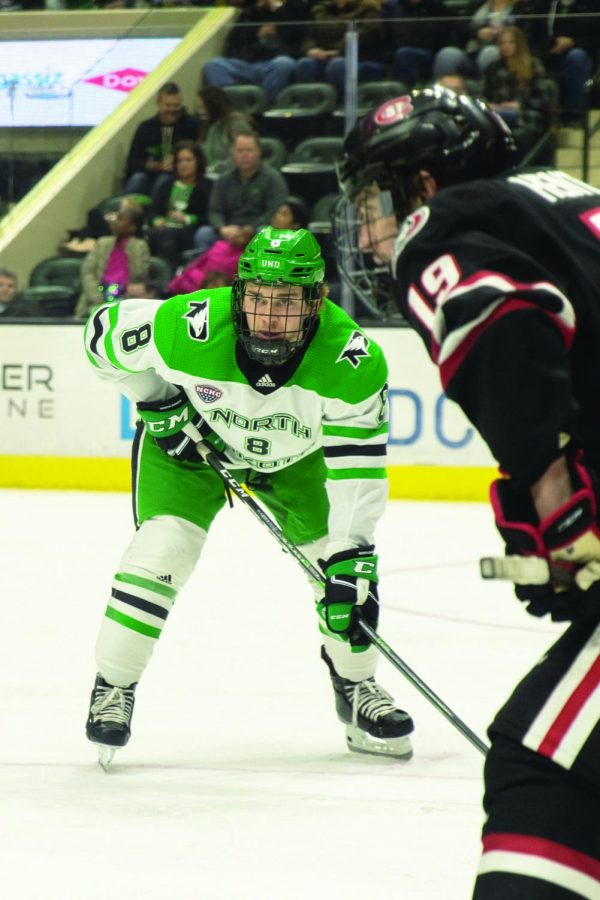 UND Continues Win Streak at Home