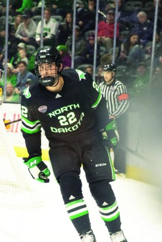UND Reigns in Hall of Fame Game