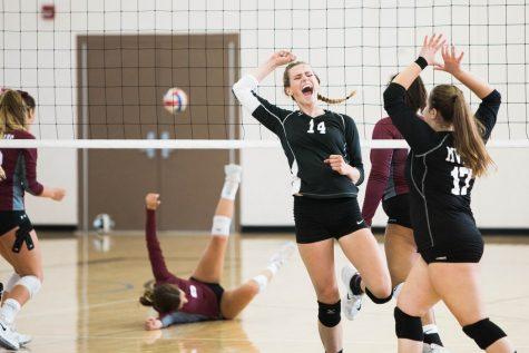 UND Volleyball sweeps ORU